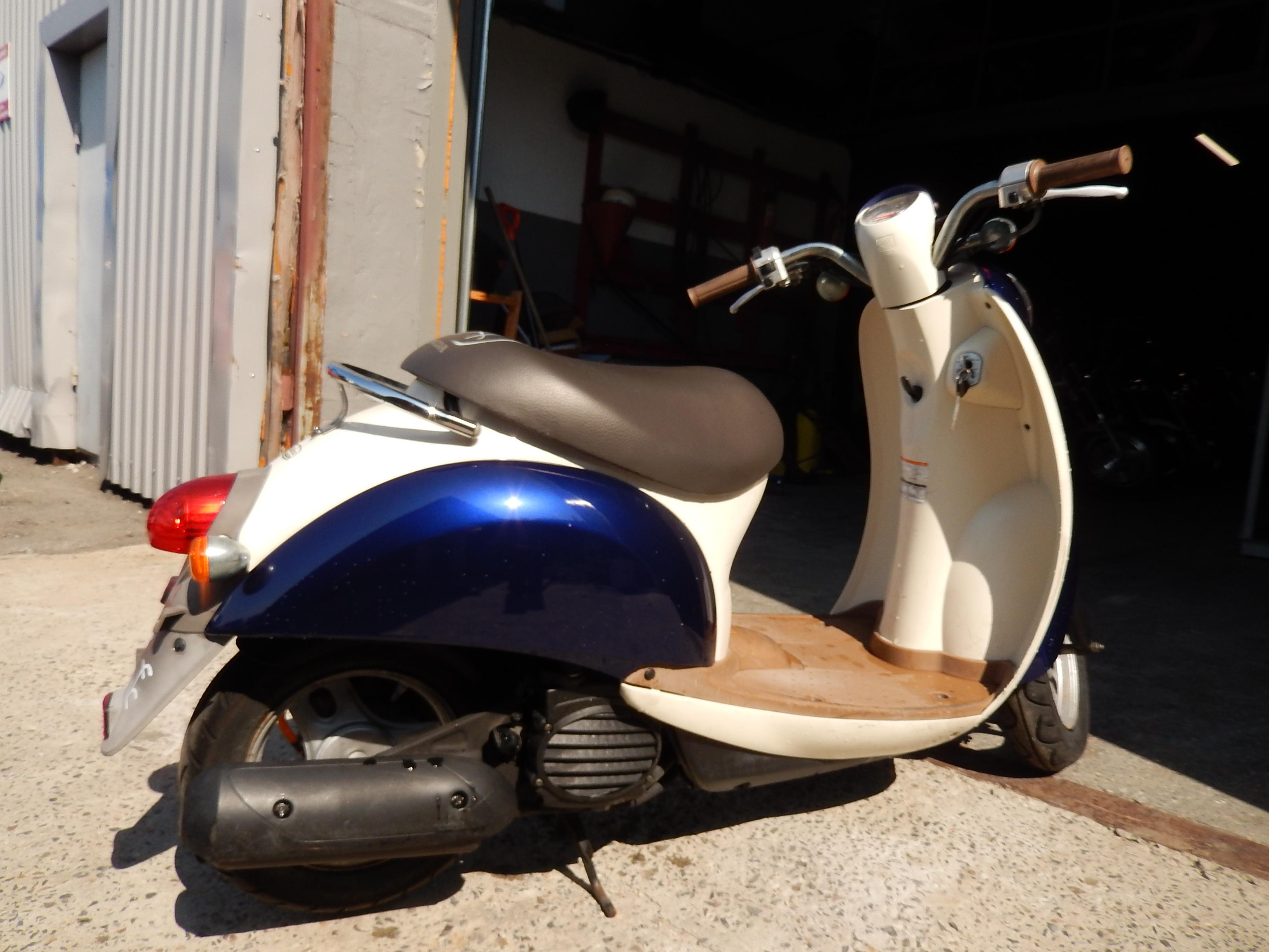 Замена масла четырёхтактного двигателя скутера